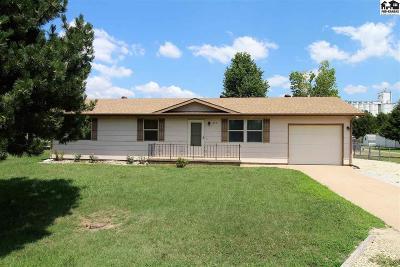 Reno County Single Family Home For Sale: 210 W Avenue F