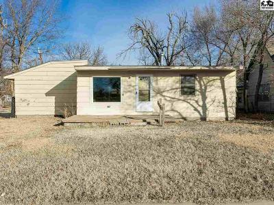 Hutchinson Single Family Home For Sale: 320 E Ave C
