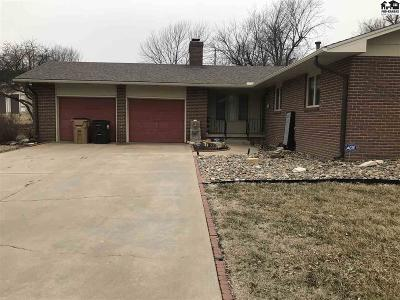 Lyons Single Family Home For Sale: 310 Meadowlark Dr