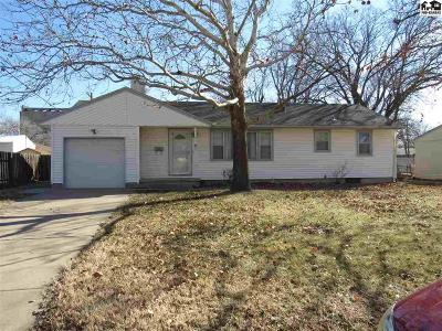 Hutchinson Single Family Home For Auction: 41 Harvest Ln