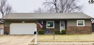 Hutchinson Single Family Home For Sale: 1203 E 27th Ave