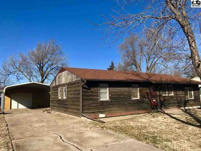Hutchinson Single Family Home Contingent On Sale And Cl: 803 Porter St
