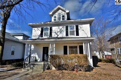 Hutchinson Single Family Home For Sale: 204 E 12th Ave
