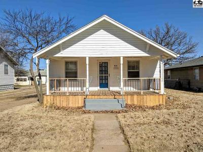 Hutchinson Single Family Home For Sale: 514 E 10th Ave