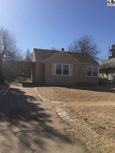 Hutchinson Single Family Home For Sale: 221 W 13th Ave