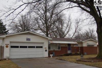 McPherson KS Single Family Home For Sale: $153,000