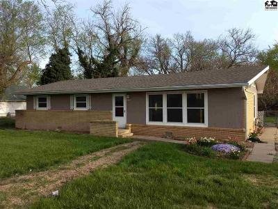 Galva Single Family Home For Sale: 220 W Hwy 56