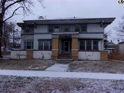 Hutchinson Single Family Home For Sale: 500 E Avenue A