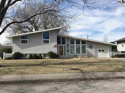 McPherson KS Single Family Home Contingent Other Co: $219,900
