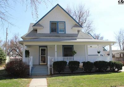 McPherson KS Single Family Home For Sale: $220,000