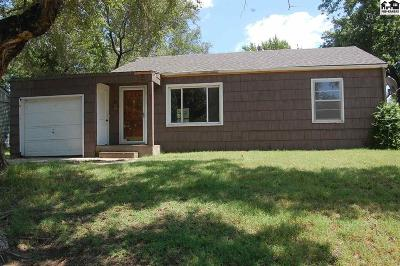 Hutchinson Single Family Home For Sale: 30 Sunset Dr