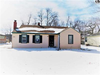 Hutchinson Single Family Home For Sale: 301 Curtis St