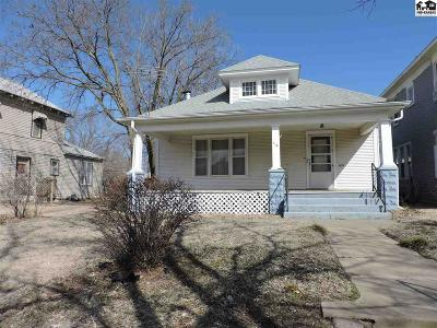 Hutchinson Single Family Home For Sale: 114 E 6th Ave