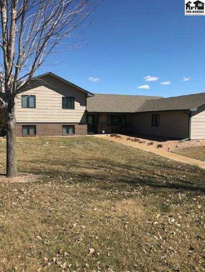 Hutchinson Single Family Home For Sale: 8716 Angela Dr