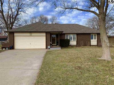 Hutchinson Single Family Home For Sale: 814 Old Farm Estates Rd