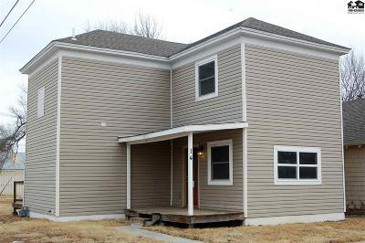 Hutchinson Single Family Home For Sale: 14 E Bigger St