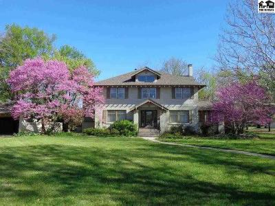Hutchinson Single Family Home For Sale: 4 Crescent Blvd