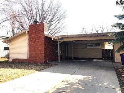 McPherson Single Family Home For Sale: 1378 N Maple St