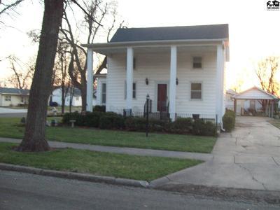 Moundridge Single Family Home For Sale: 425 S Randall St