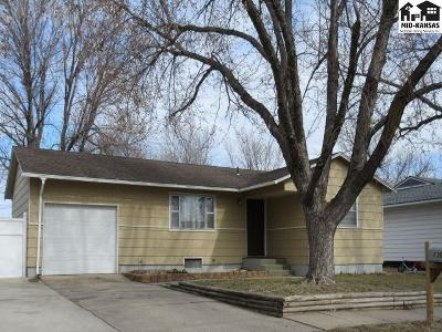 Hutchinson Single Family Home For Sale: 1304 E 25th Ave