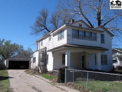 Hutchinson Single Family Home For Sale: 815 E Avenue A