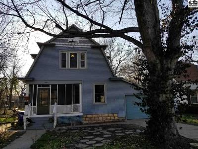 Single Family Home For Sale: 206 S 3rd St