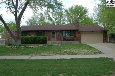 McPherson KS Single Family Home For Sale: $189,000
