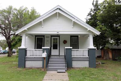 Rice County Single Family Home For Sale: 203 N 4th Ave