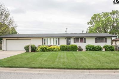 Pratt Single Family Home For Sale: 814 Iowa Ave