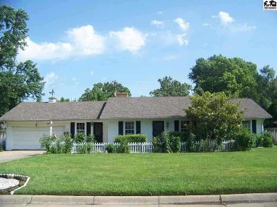 Hutchinson Single Family Home For Sale: 120 Carlton Rd