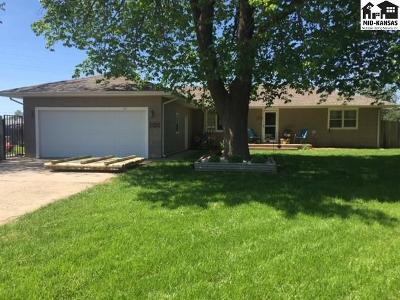 Lyons Single Family Home For Sale: 1701 E Us Highway 56