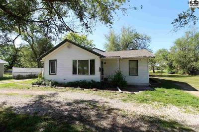 Hutchinson Single Family Home For Sale: 1527 E 26th Ave