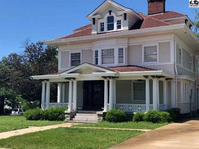 Pratt Single Family Home For Sale: 105 N Iuka St