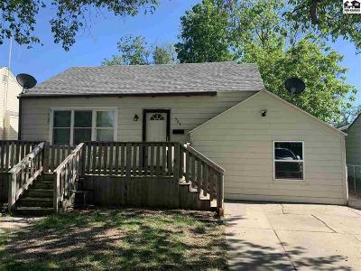 Hutchinson Single Family Home For Sale: 527 E 10th Ave