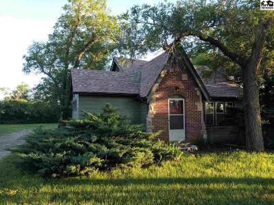 Hutchinson Single Family Home For Sale: 1527 E 30th Ave