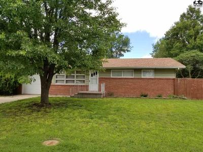 McPherson KS Single Family Home Contingent On Sale And Cl: $124,900