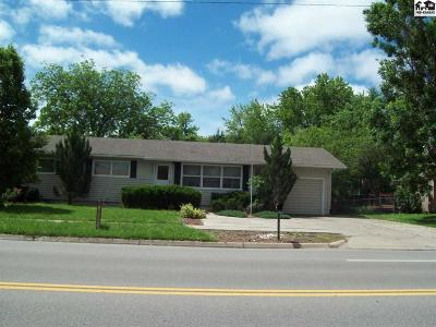 McPherson KS Single Family Home For Sale: $129,000