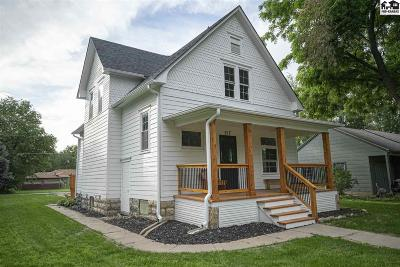 Lindsborg Single Family Home For Sale: 217 S Chestnut St