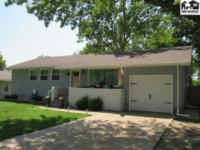 Moundridge Single Family Home For Sale: 501 S Becker Ave