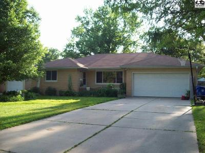 McPherson KS Single Family Home For Sale: $164,000
