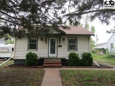 Lyons Single Family Home For Sale: 616 E Avenue S