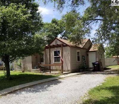 Moundridge Single Family Home For Sale: 605 S Edwards Ave