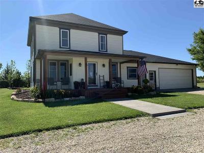 McPherson KS Single Family Home For Sale: $389,900