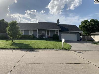 McPherson Single Family Home For Sale: 1611 Justin Dr