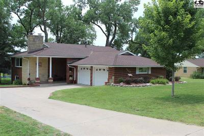 Hutchinson Single Family Home For Sale: 3217 E Meadowlake Dr
