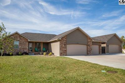 McPherson County Single Family Home For Sale: 615 Maple Ct