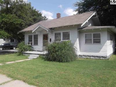 Hutchinson Single Family Home For Sale: 600 E 5th Ave