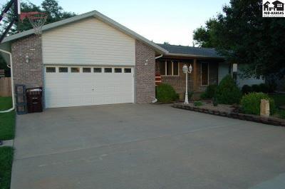 McPherson County Single Family Home For Sale: 218 N Santa Fe St