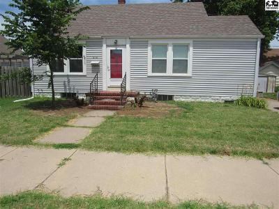 Hutchinson Single Family Home For Sale: 418 W 16th Ave