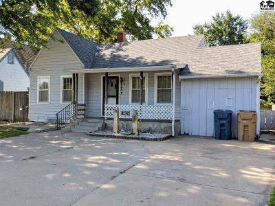 Hutchinson Single Family Home For Sale: 407 E 17th Ave